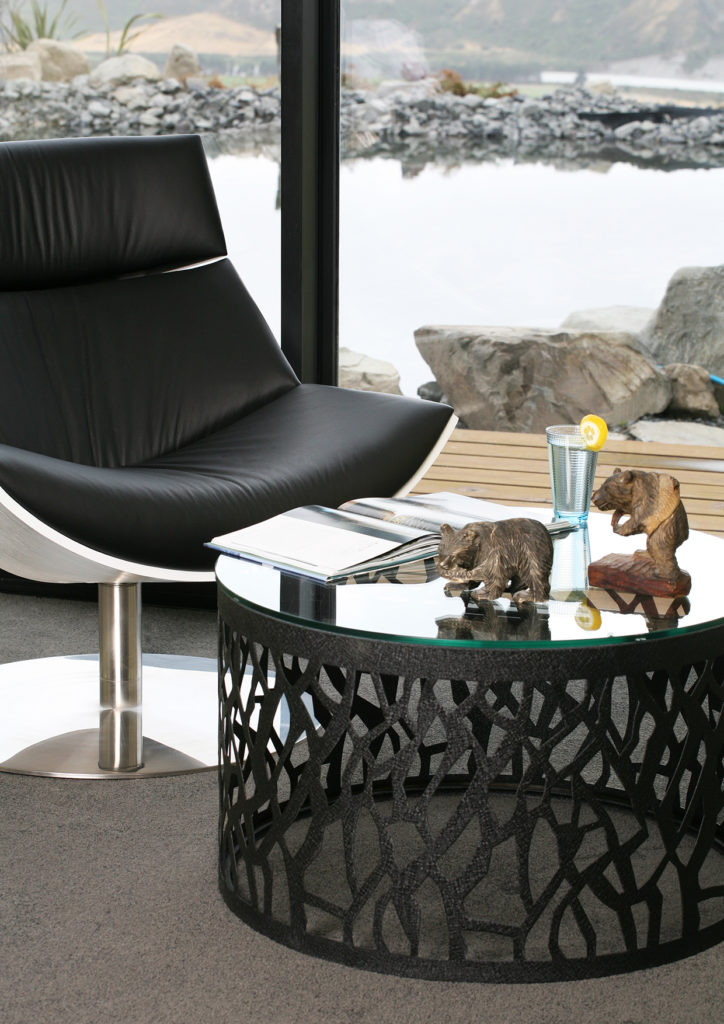 SIDE TABLE/COFFEE TABLE, ROUND BLACK S/S